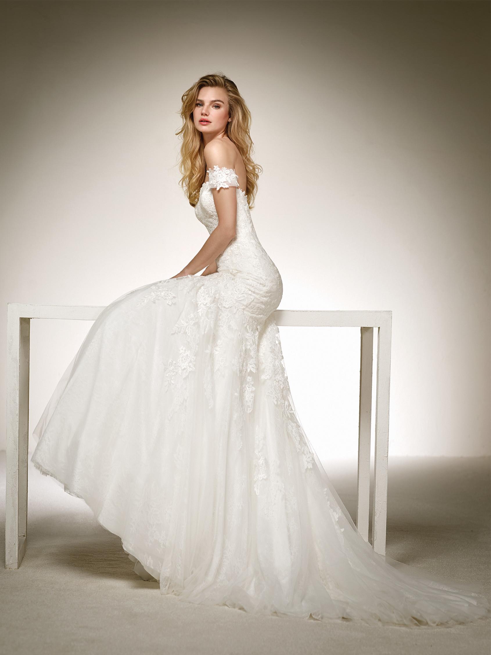 DONA 2018 PRONOVIAS Bridal Gown Romantique Bridal Magherafelt ...