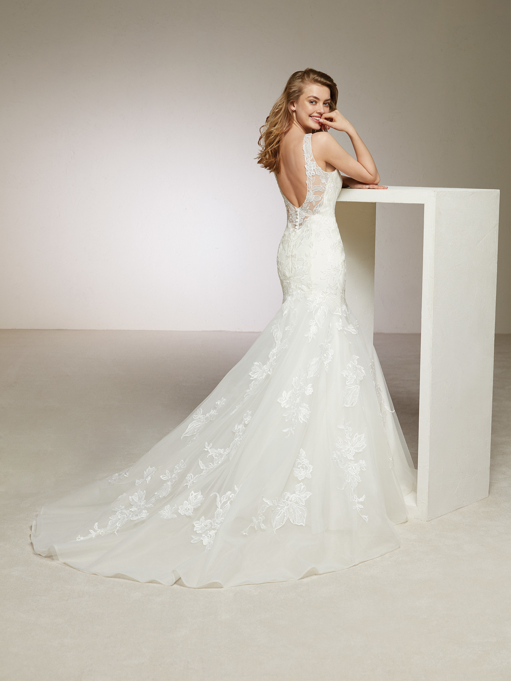 WEDDING DRESS SALE, PRONOVIAS DIVIS, UK8, £900 - Romantique Bridal