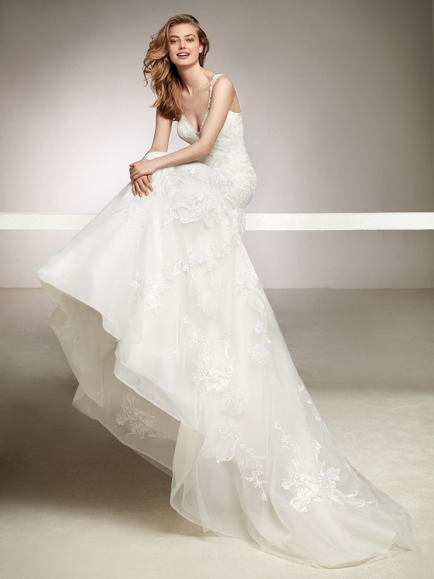 WEDDING DRESS SALE, PRONOVIAS DIVIS, UK8, £900 - Romantique Bridal