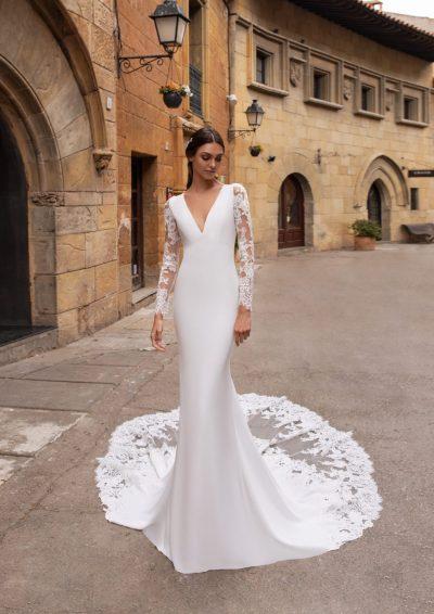 AUBRITE Pronovias Wedding Dress 2020, Romantique Bridal, Magherafelt, Northern Ireland Tel 02879300632