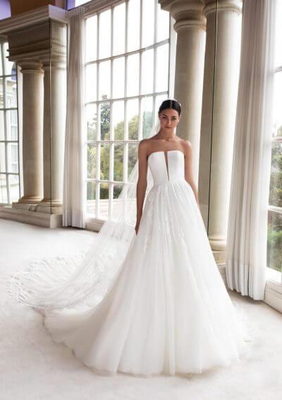 CYLLENE Pronovias Wedding Dress 2020, Romantique Bridal, Magherafelt, Northern Ireland Tel 02879300632
