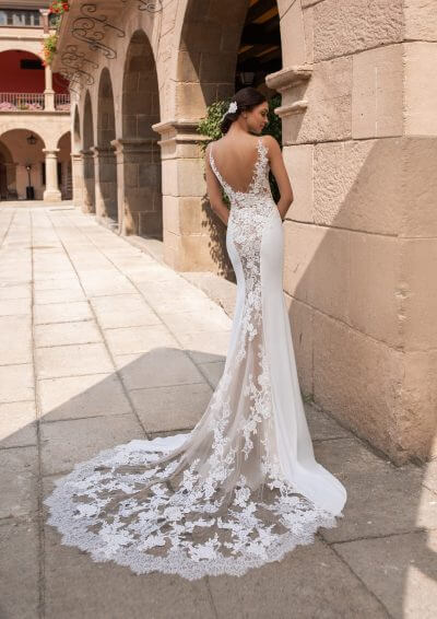 IOCASTE Pronovias Wedding Dress 2020, Romantique Bridal, Magherafelt, Northern Ireland Tel 02879300632