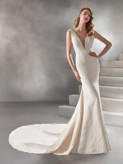 Wedding Dress 2020, Atelier Pronovias RACIMO, Romantique Bridal, Magherafelt Northern Ireland Tel 028 7930 0632