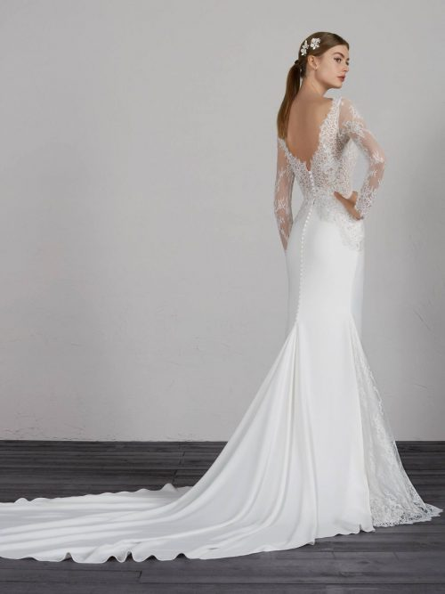 MISTIC Pronovias Wedding Dress. Romantique Bridal, Magherafelt, Northern Ireland Tel 02879300632